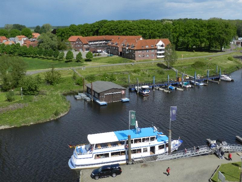 Schiffsanlegestelle Reederei Heckert im Dömitzer Hafen