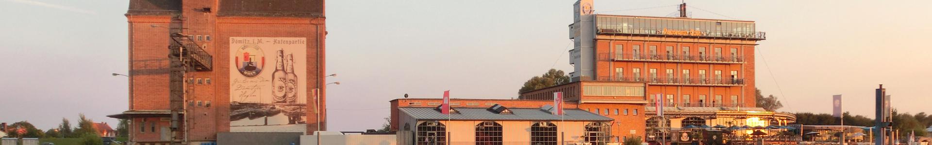 Abendsonne mit Hafenpanorama in Dömitz - Foto: Jörg Reichel